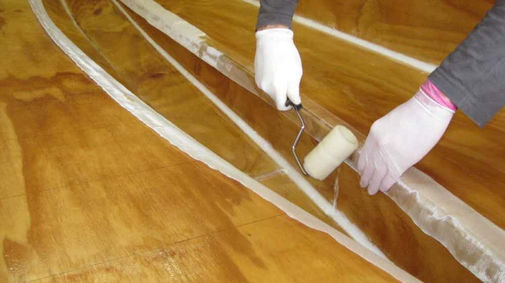 applying-fibreglass-tape