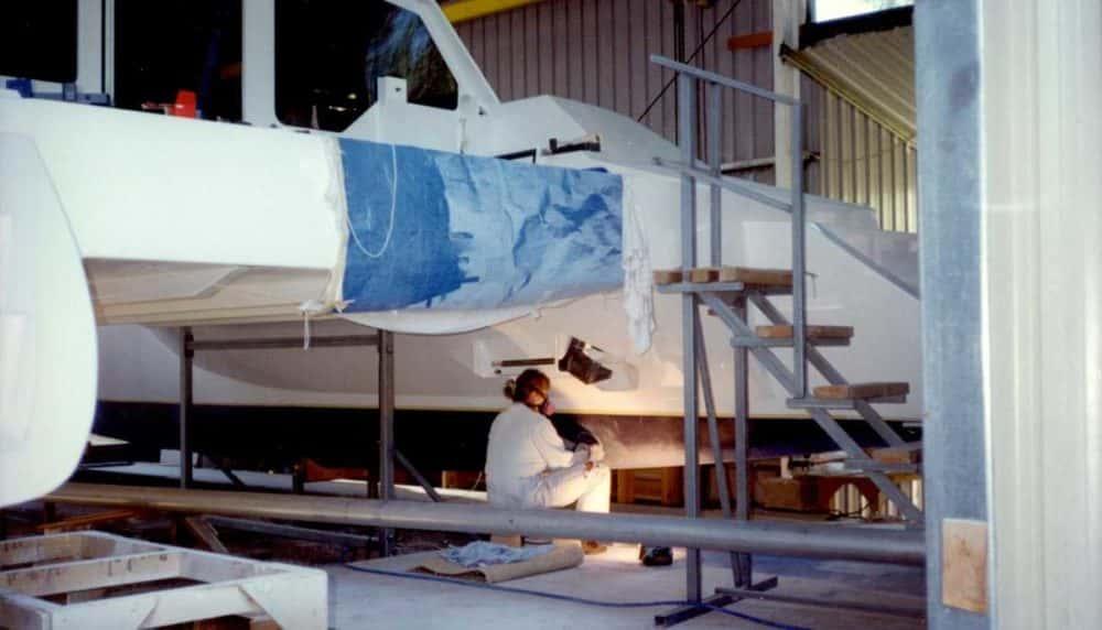 boat-painted-sanding-antifouling