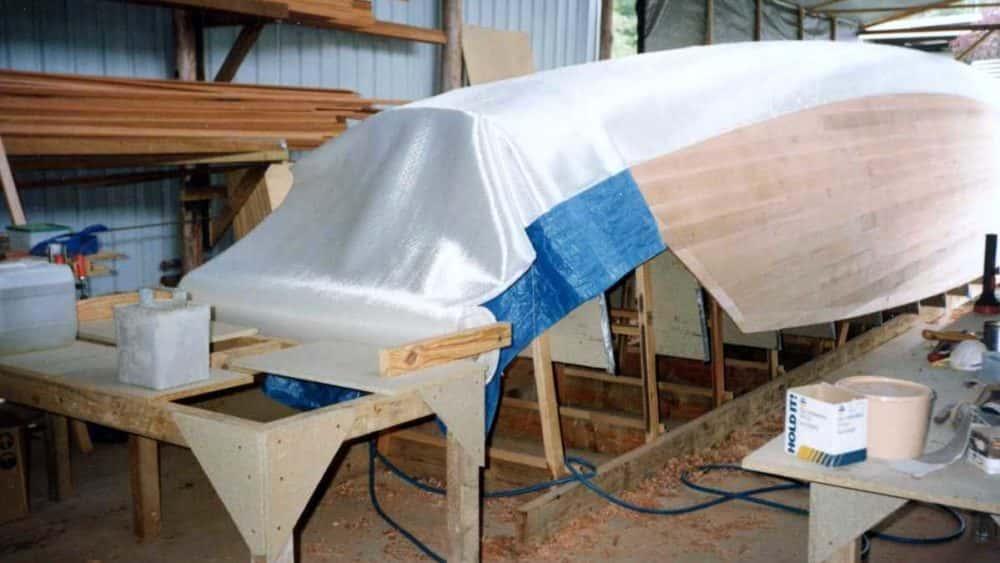 fibreglassing-cedar-hull-1