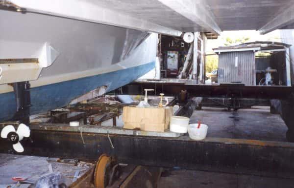 Daggerboard installation in hull - 2